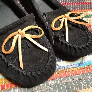 Lucky Brand Black Leather Moccasins 🍀